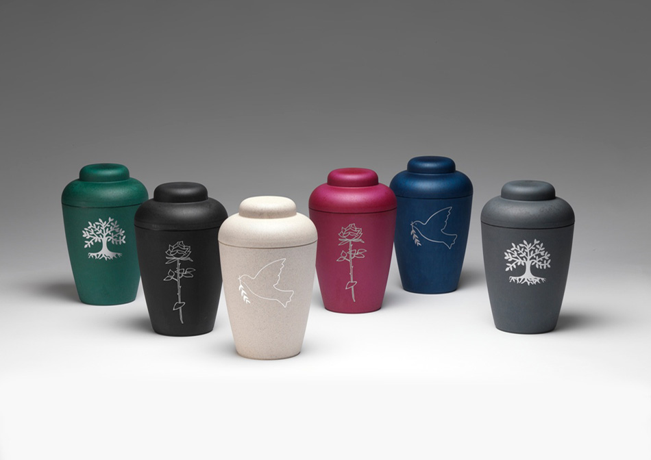Bio-degradable urns