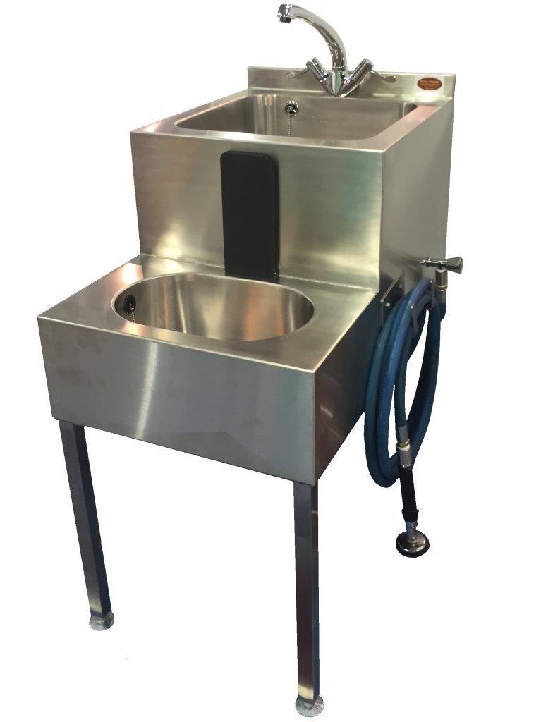 Dual sink embalming station